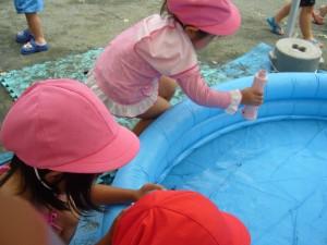 水遊び (2)